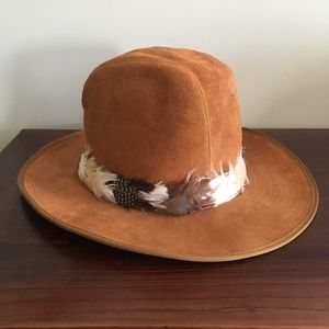 Tan Deer Leather Feather Band Wide Brim Hat M